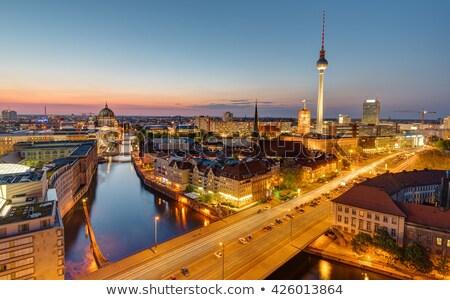 Coração Berlim famoso televisão torre madrugada Foto stock © elxeneize