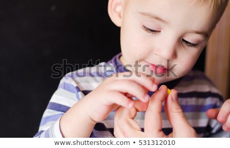 bambino · pillola · mano · umana · medicina · sanitaria · baby - foto d'archivio © clearviewstock
