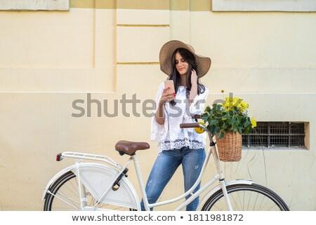 Nő áll retro bicikli csinos fiatal nő Stock fotó © prg0383
