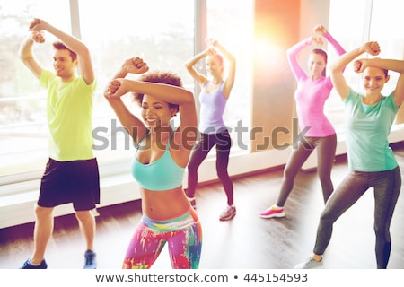 Fitness zumba dance szkolenia siłowni młodych ludzi Zdjęcia stock © Kzenon