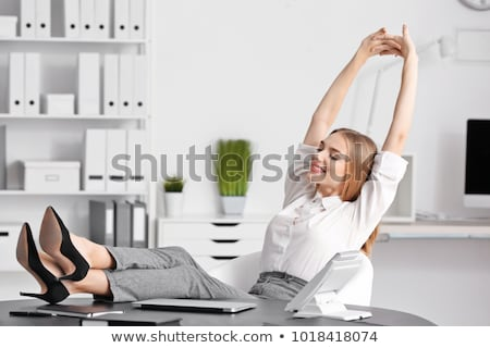 Kobieta interesu uśmiechnięty ulga nadgodziny noc laptop Zdjęcia stock © Giulio_Fornasar