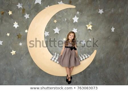 Kid meisje pyjama sterrenbeeld illustratie meisje Stockfoto © lenm