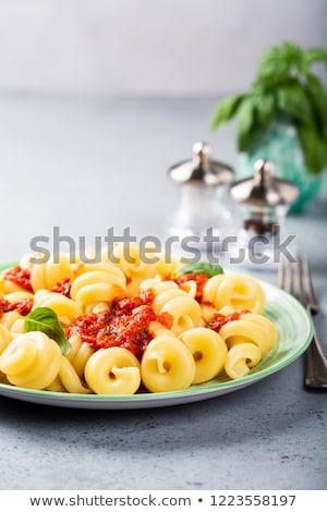 çanak · makarna · organik · domates · sosu · ev · yapımı · yeşil - stok fotoğraf © melnyk