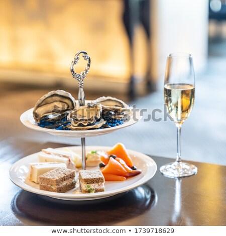 приветствую коктейль блюдо свежие устрица Сток-фото © vichie81