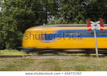 Hollanda tren demiryolu sarı mavi Stok fotoğraf © duoduo