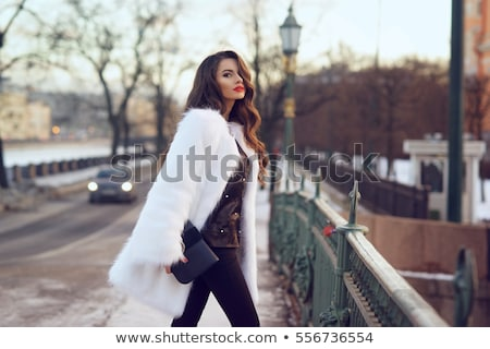 Güzel bir kadın kürk kadın kız el saç Stok fotoğraf © pxhidalgo