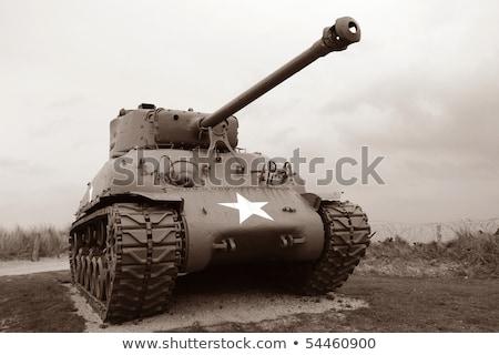 tanque · museu · lugar · pistola · máquina · transporte - foto stock © pedrosala