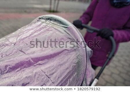 Kobieta ręce objętych strony kobiet Zdjęcia stock © dmitroza