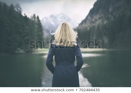 Loiro menina posando casual roupa Foto stock © acidgrey