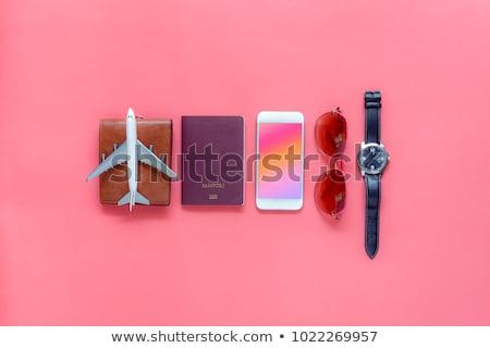 kamera · jegyzettömb · okostelefon · fehér · fa · asztal · felső - stock fotó © karandaev