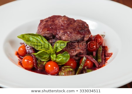 marhahús · bor · mártás · zöldségek · étterem · piros - stock fotó © grafvision