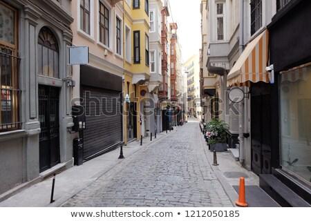 Wąski ulicy miasta duży wieżowce budynku Zdjęcia stock © ensiferrum