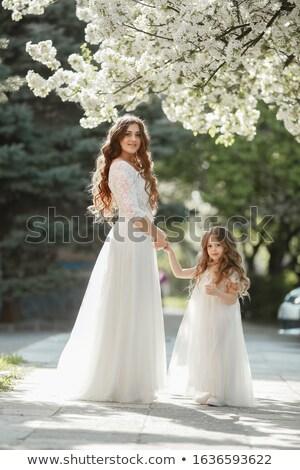Kobieta młodych oblubienicy uśmiecha umiłowany córka Zdjęcia stock © ElenaBatkova