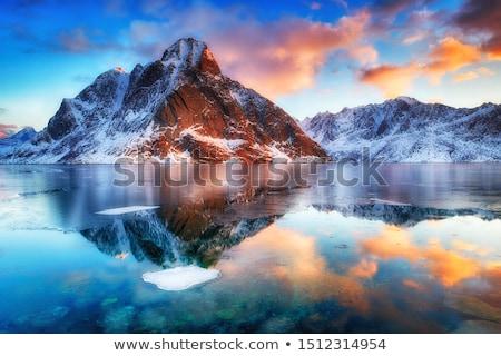 Spiegel Norwegen Berg Landschaft Schnee Schönheit Stock foto © samsem