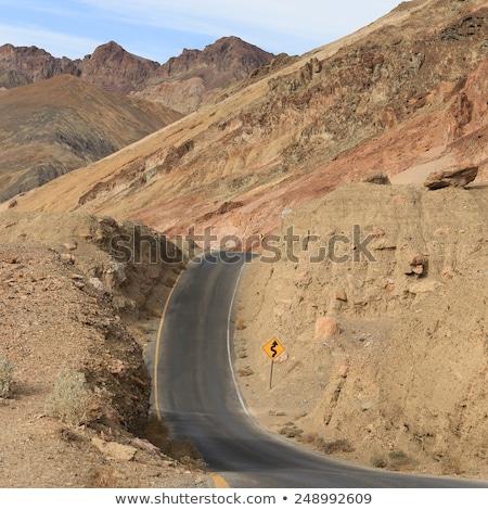 manzaralı · yol · sürmek · ölüm · vadi · yol · işareti - stok fotoğraf © meinzahn