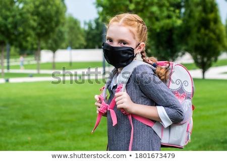 portret · schoolmeisje · uniform · bos · geld - stockfoto © alekleks
