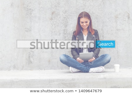 タブレット · 検索 · バー · アップ · 紙 · セキュリティ - ストックフォト © wavebreak_media