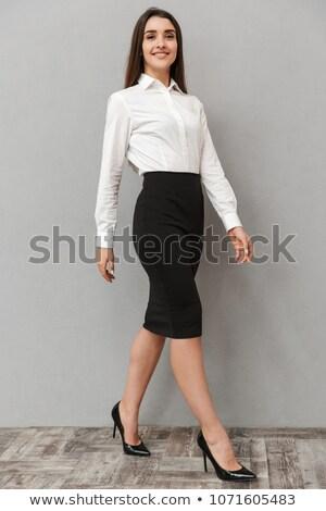 Retrato adorável mulher longo cabelo castanho Foto stock © deandrobot