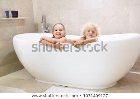 2 子供 バスタブ 実例 子 学生 ストックフォト © colematt