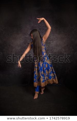 ázsiai indiai barna hajú lány hosszú haj tánc Stock fotó © lunamarina
