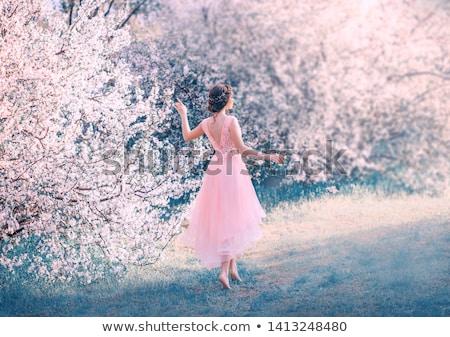 Fantastyczny głęboko ciemne włosy zmysłowy dziewczyna kobieta Zdjęcia stock © konradbak