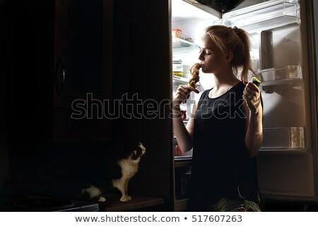 meia-noite · tarde · noite · mulher · jovem · comida - foto stock © clearviewstock