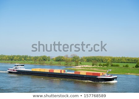 vrachtschip · holland · groot · nederlands · rivier · boot - stockfoto © ivonnewierink