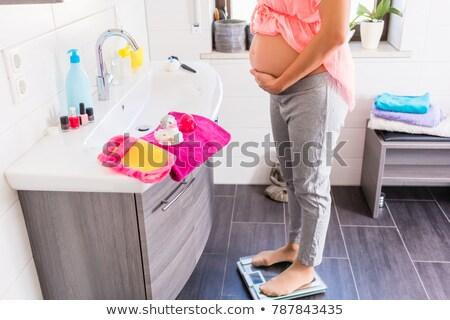 妊娠 · バス · 妊婦 · 水 · 手 · 裸 - ストックフォト © kzenon