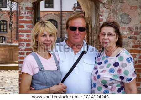 senior · turistas · casal · caminhadas · parque · mulher - foto stock © is2