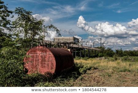 Verlaten roestige tank interieur oorlog machine Stockfoto © szefei