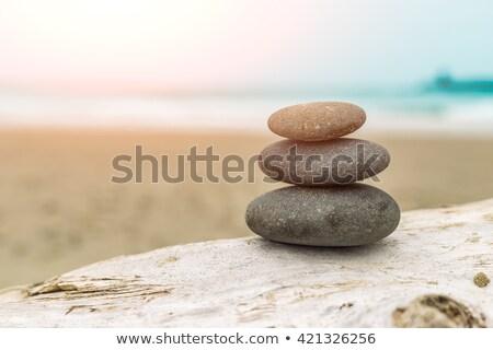 Equilibrata pietre bianco rock pietra Foto d'archivio © Pakhnyushchyy