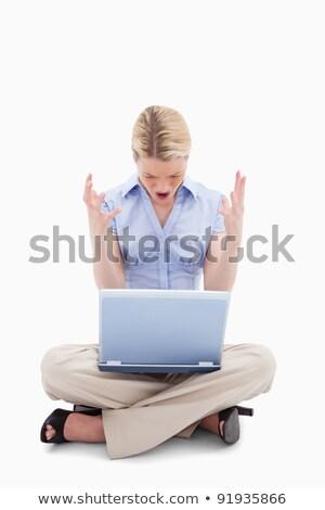 nő · számítógéppel · düh · dühös · üzletasszony · pirszing · számítógép - stock fotó © wavebreak_media