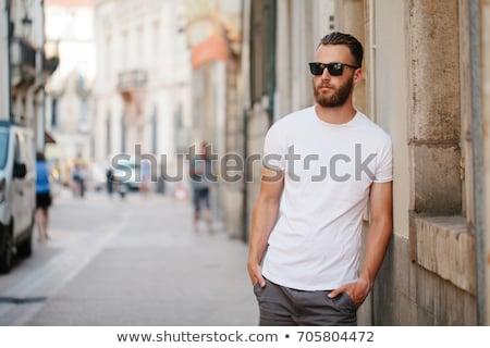 sensual · muscular · homem · olhando · suspeito - foto stock © feedough