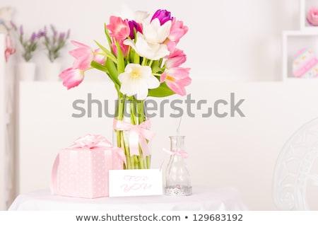 Belo rosa tulipas vaso decorativo papel Foto stock © Moravska