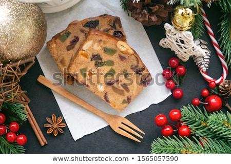 Rebanadas pastel de frutas dos piezas placa alimentos Foto stock © Digifoodstock