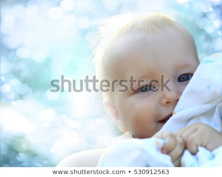 aranyos · kislány · tart · földgömb · portré · lány - stock fotó © paha_l