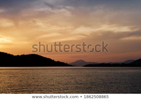 Zdjęcia stock: Zachód · słońca · miasta · wygaśnięcia · krajobraz · tle · górskich