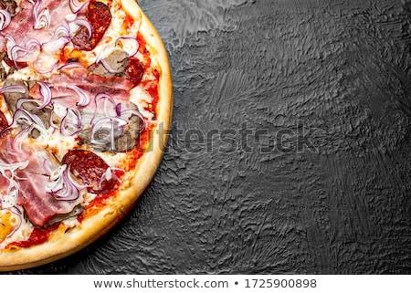 ピザ · サラミ · 唐辛子 · トマトソース · 木製 · 木板 - ストックフォト © d_duda