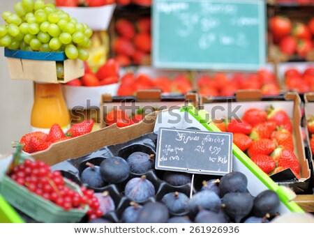 Fructe proaspete Paris alimente fruct sănătate Imagine de stoc © hsfelix