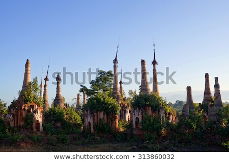 Posada templo complejo Myanmar lago central Foto stock © Mikko