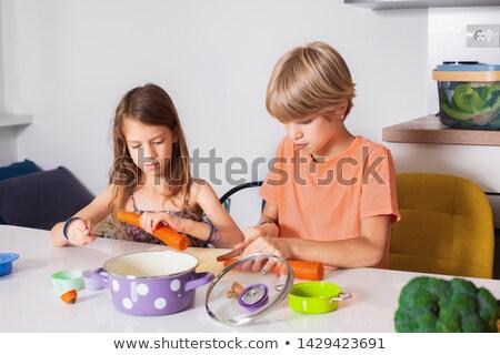 Kettő fiúk vág zöldségek étel jókedv Stock fotó © IS2
