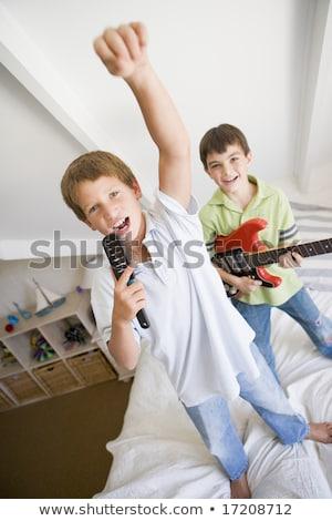 due · persone · cantare · giocare · chitarra · ragazza · uomo - foto d'archivio © monkey_business