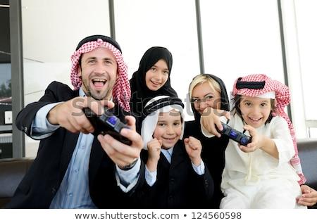 Stockfoto: Jongen · spelen · video · game · familie · gelukkig