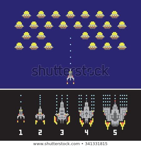 Rétro vaisseau spatial pixel art jeu fusée Photo stock © robuart