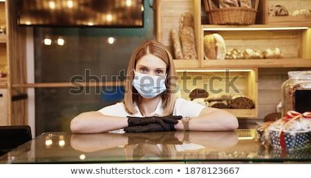 Mooie jonge vrouw verkopen brood bakkerij vers Stockfoto © boggy