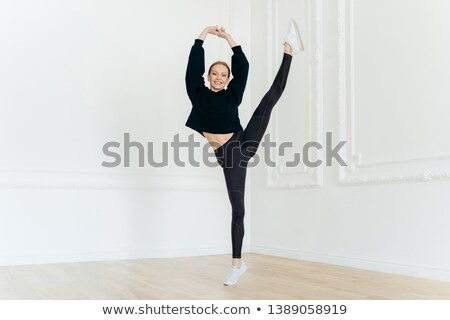 Flexível feminino bailarina mãos um Foto stock © vkstudio