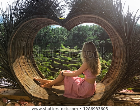 Fiatal nő turista trópusi dzsungel Bali erdő Stock fotó © galitskaya