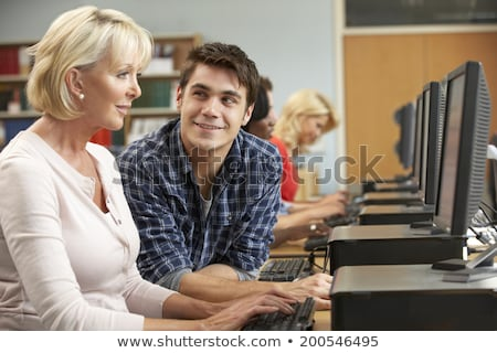 jonge · man · tonen · senior · vrouw · laptop · home - stockfoto © photography33