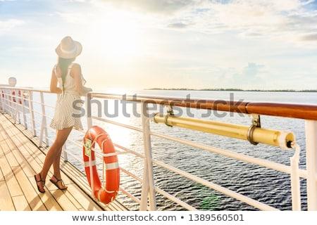 Menina cruzeiro ilustração mulher sorrir branco Foto stock © adrenalina