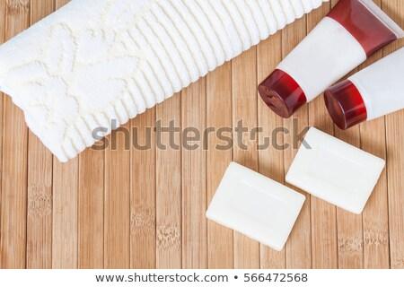 toiletartikelen · spons · gel · shampoo · handdoeken · bad - stockfoto © smitea